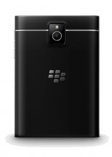 Blackberry_Passport_Back